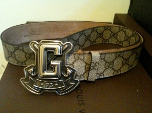 GUCCI EMBLEM WITH GUCCI LOGO BELT $350!!!! MY FAV BELT RIGHT NOW LET ME KNOW IF YOU HAVE 1