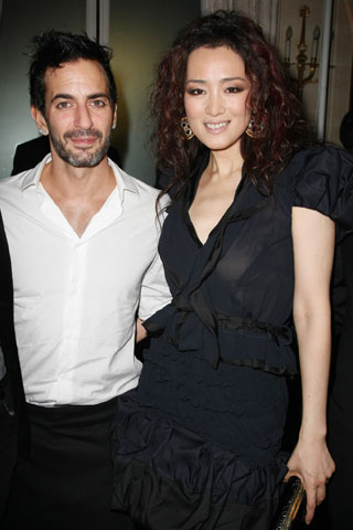 GONG LI AND MARC JACOBS(SHE'S WEARING LOUIS VUITTON &JEWELS)
